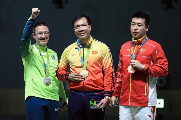 Shooter Hoang Xuan Vinh wins historic gold medal at Rio Olympics 2016 - ảnh 8