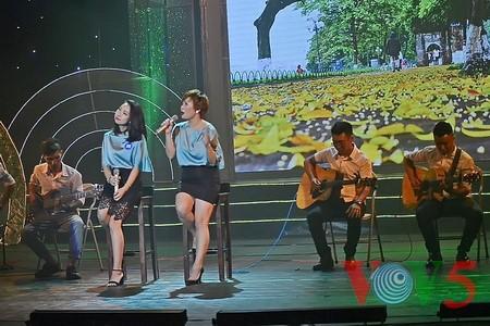 "Medley ""Hanoi autumn"" advances to final round of Vietnam Journalists' Singing Festival 2016 - ảnh 4"