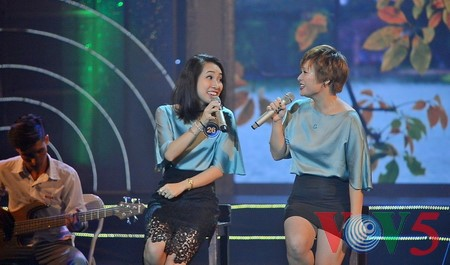 "Medley ""Hanoi autumn"" advances to final round of Vietnam Journalists' Singing Festival 2016 - ảnh 6"