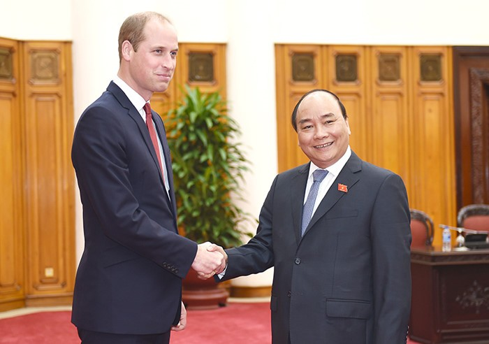 Prime Minister suggests Vietnam, UK expand educational cooperation  - ảnh 1