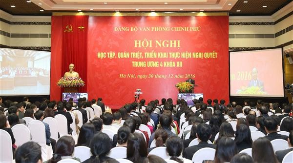Prime Minister attends conference on learning Party resolution  - ảnh 1