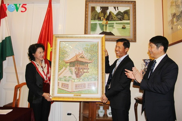 National Assembly Chairwoman visits Hungary - ảnh 1