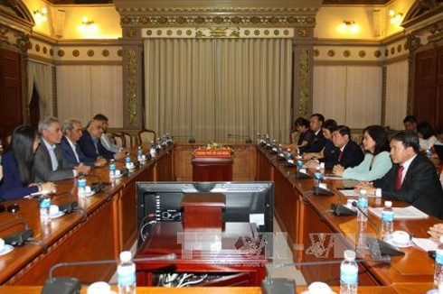 Ho Chi Minh city boosts trade, investment cooperation with Iran - ảnh 1