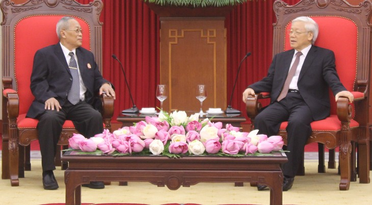 Party leader: Vietnam gives top priority to developing ties with Cambodia - ảnh 1