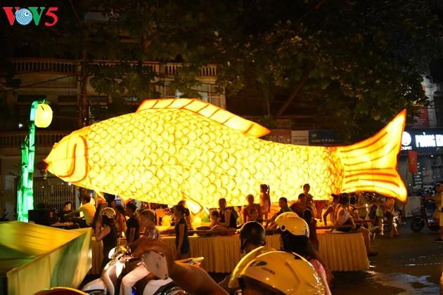 Tuyen citadel festival opens  - ảnh 1