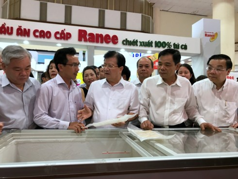 Seafood companies encouraged to develop local market - ảnh 1