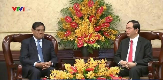 越南国家主席陈大光会见柬埔寨副首相韶肯 - ảnh 1