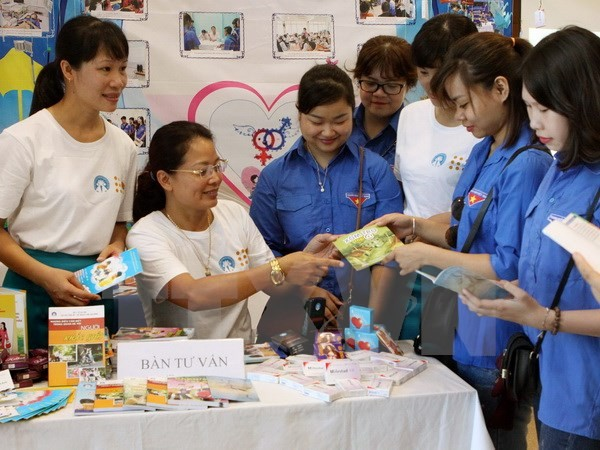 越南加强与联合国开发计划署及联合国人口基金的合作   - ảnh 1