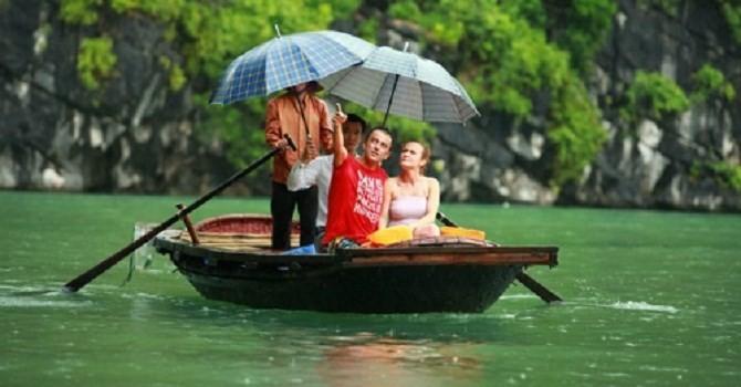 今年4月份越南共接待100万人次国际游客   - ảnh 1