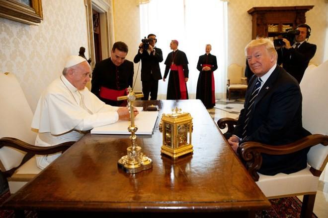 教皇方济各呼吁特朗普构建世界和平 - ảnh 1