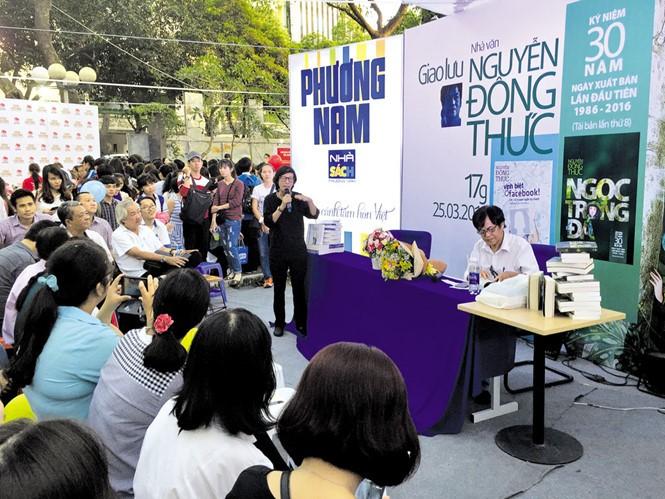 มีผู้อ่านกว่าหนึ่งล้านคนเข้าร่วมงานมหกรรมหนังสือนครโฮจิมินห์ครั้งที่ 9 - ảnh 1