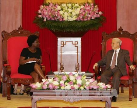 ธนาคารโลกให้การสนับสนุนเวียดนามในการพัฒนาเศรษฐกิจ-สังคมอย่างต่อเนื่อง - ảnh 1