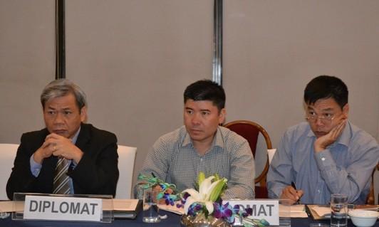 การสัมมนาโต๊ะกลมเกี่ยวกับปัญหาทะเลตะวันออกในอินเดีย  - ảnh 1