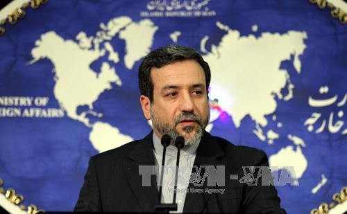 อิหร่านเตือนว่า จะไม่มีการเจรจาใดๆ ถ้าหากข้อตกลงนิวเคลียร์ถูกละเมิด  - ảnh 1