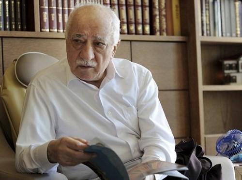 อิหม่าม กูเลน กล่าวหาประธานาธิบดีตุรกีอยู่เบื้องหลังการรัฐประหาร      - ảnh 1