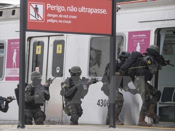 บราซิลเพิ่มความเข้มงวดในการรักษาความมั่นคงในสนามบินหลายแห่ง - ảnh 1
