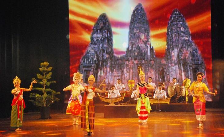 งานวันวัฒนธรรมไทยในเวียดนาม - ảnh 18