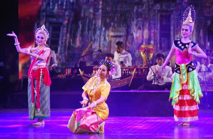 งานวันวัฒนธรรมไทยในเวียดนาม - ảnh 21