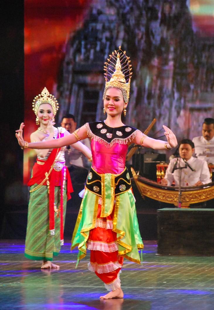 งานวันวัฒนธรรมไทยในเวียดนาม - ảnh 22