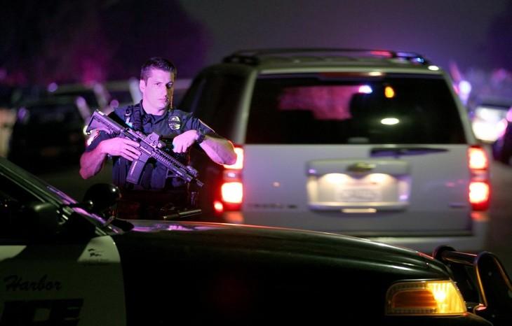 เกิดเหตุกราดยิงที่มุ่งเป้าไปยังตำรวจในสหรัฐ  - ảnh 1