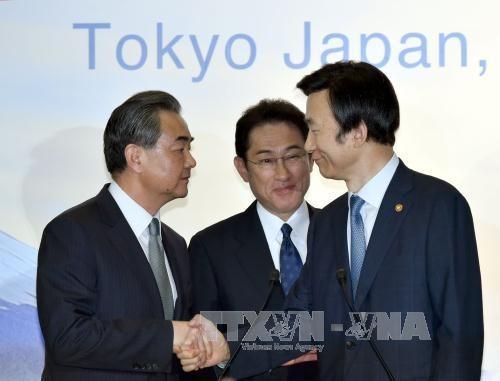 ทูตพิเศษด้านนิวเคลียร์ของสาธารณรัฐเกาหลีและญี่ปุ่นหารือเกี่ยวกับมาตรการรับมือกับเปียงยาง - ảnh 1