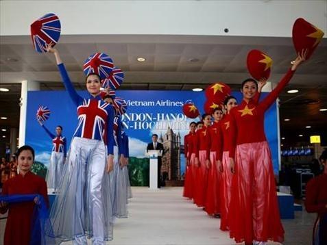 El Ao Dai enorgullece a Vietnam - ảnh 11