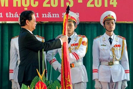 Primer ministro incentiva el mejoramiento de educación y formación  - ảnh 1