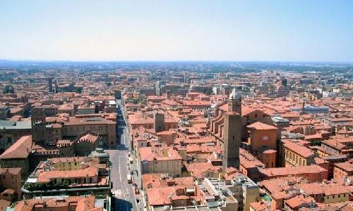 Vietnam aboga por promover intercambios comerciales con zonas económicas italianas - ảnh 1