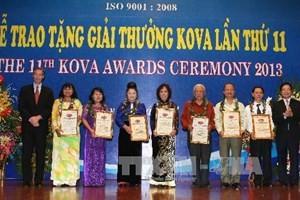 Premio KOVA para colectivos y particulares más sobresalientes en estudio y trabajo - ảnh 1