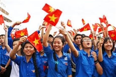 Jóvenes vietnamitas compiten en movimiento de seguir ejemplo de Ho Chi Minh - ảnh 1