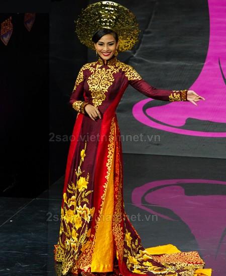 Áo dài de Vietnam destaca en Miss Universo 2013 - ảnh 1