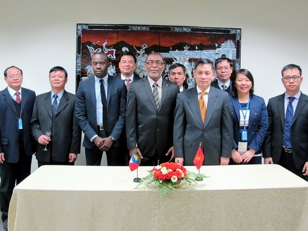 Vietnam establece relaciones diplomáticas con Antigua y Barbuda - ảnh 1