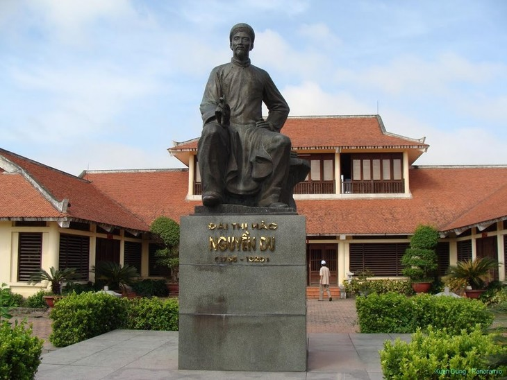 UNESCO honra a gran poeta vietnamita, Nguyen Du - ảnh 1