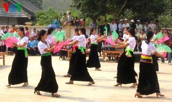 """Danza """"xòe"""" – lenguaje de sentimientos de las muchachas Thái en Mường So - ảnh 2"""