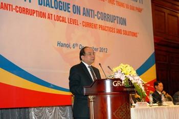 Vietnam ratifica combate a la corrupción y saneamiento empresarial - ảnh 1