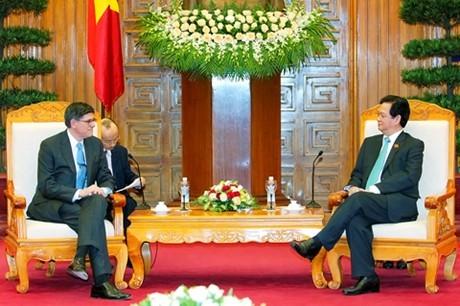 Primer ministro vietnamita recibe al secretario del Tesoro de Estados Unidos - ảnh 1