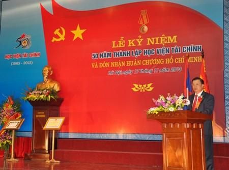 Conmemoran en Vietnam el Día Nacional del Maestro  - ảnh 2