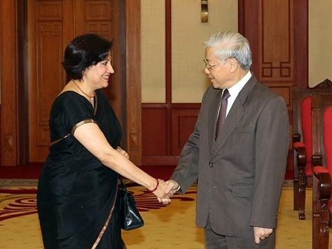 Determinado Vietnam a elevar relaciones diplomáticas con India  - ảnh 1