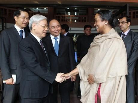 Intensa agenda de dirigente vietnamita en India - ảnh 1
