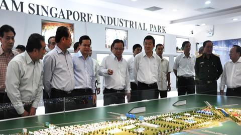 Vietnam garantiza estabilizar a su entorno inversionista - ảnh 1