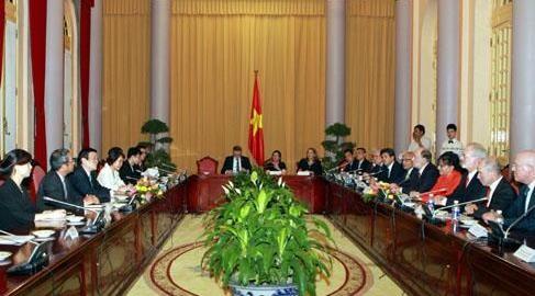 Estados Unidos se interesa en impulsar relaciones con Vietnam en todos los campos - ảnh 1