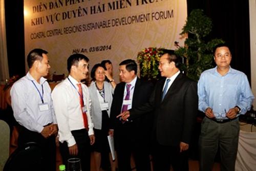 Inauguran el primer foro de desarrollo sostenible del litoral central de Vietnam - ảnh 1