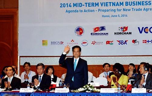 Foro Empresarial de Vietnam 2014 contribuye a elevar la confianza de inversores extranjeros - ảnh 1