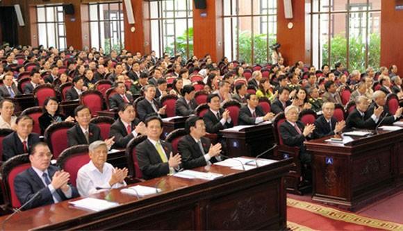 Diputados vietnamitas aportan opiniones a importantes leyes - ảnh 1