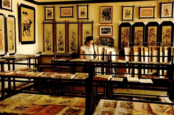 Aldea de pintura de Dong Ho, lugar que guarda el alma nacional en papel rojo - ảnh 2