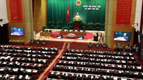 Parlamento vietnamita perfecciona resolución sobre el voto de confianza - ảnh 1