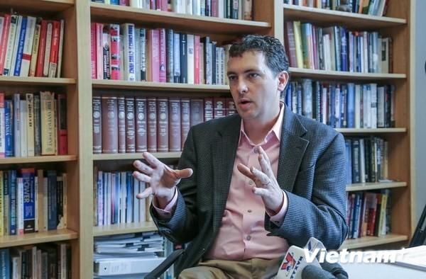 Erudito estadounidense comenta apoyo internacional a Vietnam en el conflicto del Mar del Este - ảnh 1