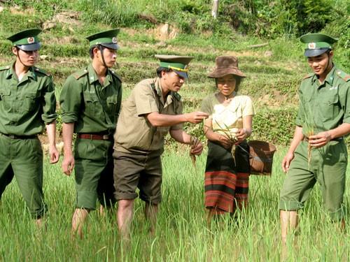 Reducción de pobreza, logro más destacado de Vietnam en garantía de derechos humanos - ảnh 1