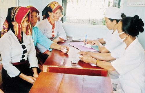 Reducción de pobreza, logro más destacado de Vietnam en garantía de derechos humanos - ảnh 2