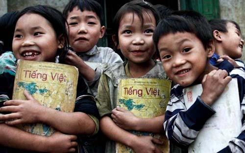Programa artístico en apoyo a los niños pobres - ảnh 1